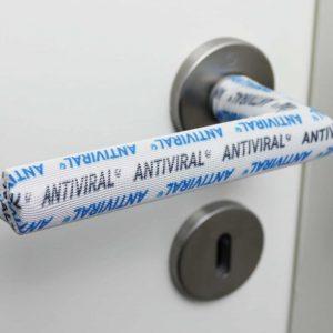 Türgriff desinfizieren leicht gemacht- Der antibakterielle und antivirale Türgriff Überzug desinfiziert sich stetig selbst.